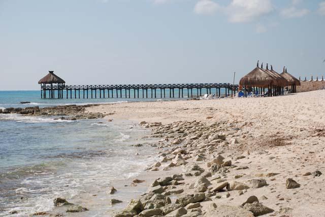 22-mayan-resort-pier