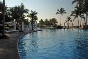 early-morning-mayan-palace-pool