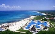cancun_pool_aerial