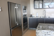 loft-full-kitchen-with-oven.JPG