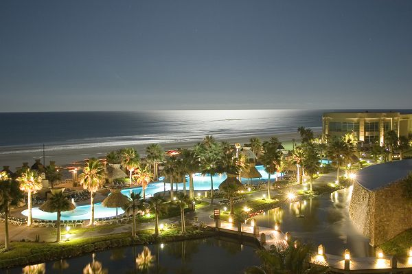 puerto-penasco-at-night