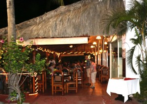sidewalk cafe guidos
