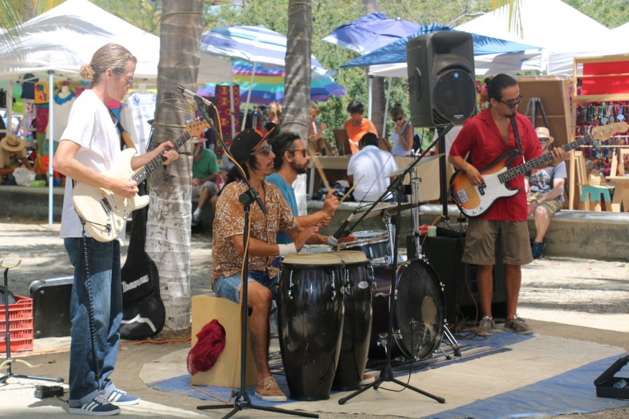 Jam Band La cruz sunday market