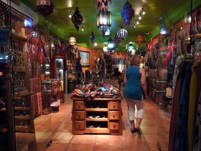 Spanish Phrases for Shopping in Mexico