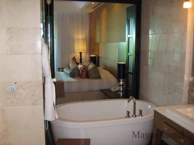 Baño Relajante Jacuzzi:Grand Luxxe Nuevo Vallarta Two Bedroom Suite