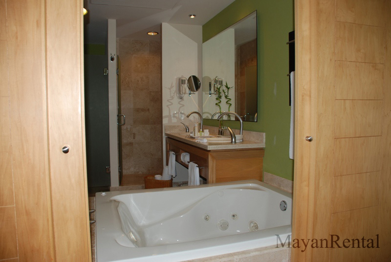 Grand Mayan Jacuzzi Tub
